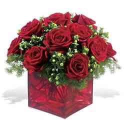 Zonguldak çiçek yolla  9 adet kirmizi gül cam yada mika vazoda