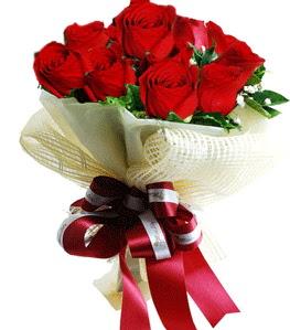 9 adet kırmızı gülden buket tanzimi  Zonguldak çiçek gönderme sitemiz güvenlidir
