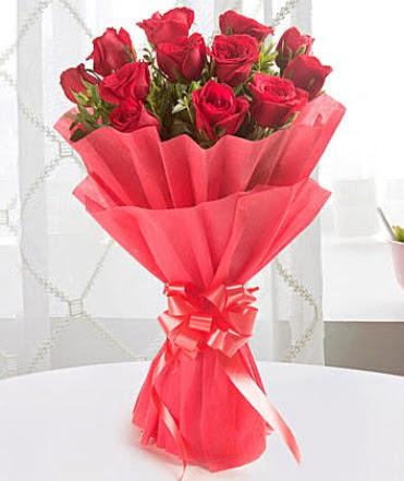 12 adet kırmızı gülden modern buket  Zonguldak çiçek yolla
