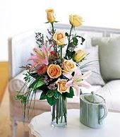 Zonguldak çiçek , çiçekçi , çiçekçilik  cam yada mika vazo içerisinde gül kazablanka