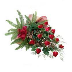 Zonguldak online çiçek gönderme sipariş  10 adet kirmizi gül özel buket çiçek siparisi