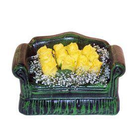 Seramik koltuk 12 sari gül   Zonguldak çiçekçi telefonları
