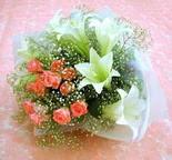 Zonguldak çiçek yolla  lilyum ve 7 adet gül buket
