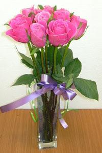 cam vazo içerisinde 11 adet gül  Zonguldak internetten çiçek satışı