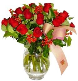 Zonguldak İnternetten çiçek siparişi  11 adet kirmizi gül  cam aranjman halinde