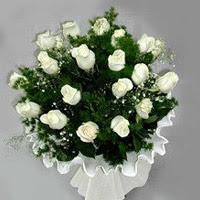 Zonguldak hediye çiçek yolla  11 adet beyaz gül buketi ve bembeyaz amnbalaj