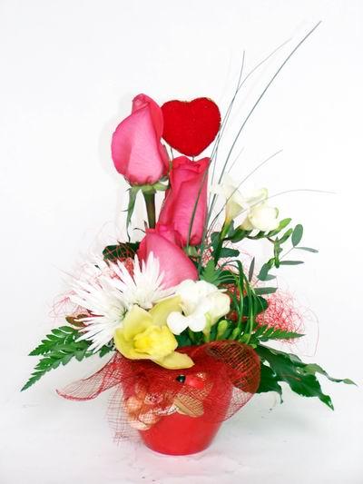 Zonguldak çiçekçi telefonları  cam içerisinde 3 adet gül ve kir çiçekleri
