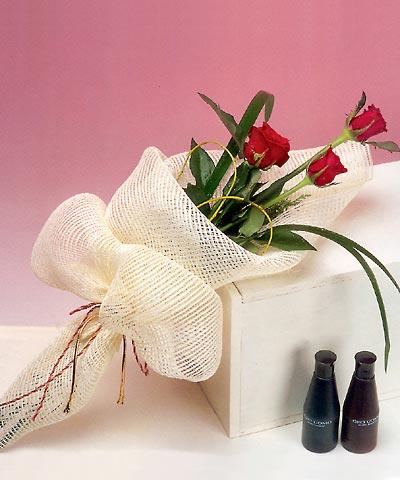 3 adet kalite gül sade ve sik halde bir tanzim  Zonguldak internetten çiçek siparişi