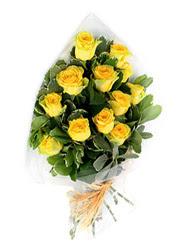 Zonguldak güvenli kaliteli hızlı çiçek  12 li sari gül buketi.