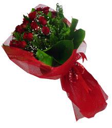 Zonguldak çiçek gönderme sitemiz güvenlidir  10 adet kirmizi gül demeti
