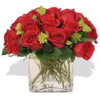 Zonguldak ucuz çiçek gönder  10 adet kirmizi gül ve cam yada mika vazo