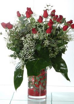 Zonguldak güvenli kaliteli hızlı çiçek  11 adet kirmizi gül ve cam yada mika vazo tanzim