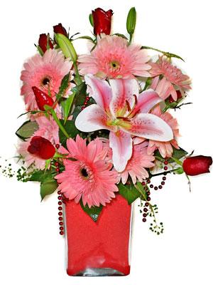 Zonguldak cicek , cicekci  karisik cam yada mika vazoda mevsim çiçekleri mevsim demeti