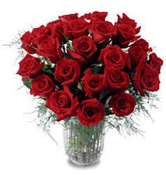 Zonguldak çiçek gönderme sitemiz güvenlidir  11 adet kirmizi gül cam yada mika vazo içerisinde