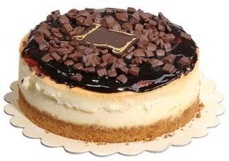 pasta yolla 4 ile 6 kisilik çikolatali yas pasta  Zonguldak online çiçek gönderme sipariş
