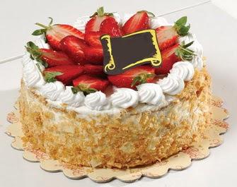 uygun pastaneler 4 ile 6 kisilik çilekli yas pasta lezzetli  Zonguldak çiçek siparişi vermek