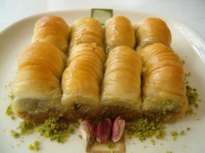tatli gönder Essiz lezzette 1 kilo Fistikli Sari Burma  Zonguldak anneler günü çiçek yolla