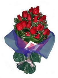 12 adet kirmizi gül buketi  Zonguldak online çiçek gönderme sipariş