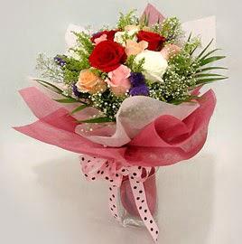 Karisik renklerde 11 adet gül buketi  Zonguldak çiçek gönderme
