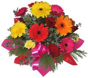 Karisik mevsim çiçeklerinden buket  Zonguldak hediye sevgilime hediye çiçek