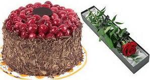 1 adet yas pasta ve 1 adet kutu gül  Zonguldak uluslararası çiçek gönderme