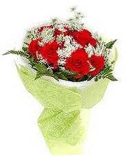 Zonguldak çiçek , çiçekçi , çiçekçilik  7 adet kirmizi gül buketi tanzimi