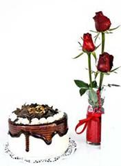 Zonguldak çiçek siparişi vermek  vazoda 3 adet kirmizi gül ve yaspasta