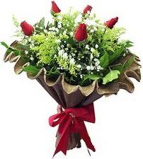 Zonguldak online çiçek gönderme sipariş  5 adet kirmizi gül buketi demeti