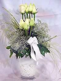 Zonguldak online çiçek gönderme sipariş  9 adet vazoda beyaz gül - sevdiklerinize çiçek seçimi