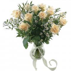 Vazoda 8 adet beyaz gül  Zonguldak 14 şubat sevgililer günü çiçek