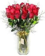 27 adet vazo içerisinde kırmızı gül  Zonguldak çiçekçi mağazası