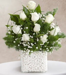 9 beyaz gül vazosu  Zonguldak çiçek satışı