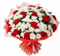 11 adet kırmızı gül ve 1 demet krizantem  Zonguldak çiçek mağazası , çiçekçi adresleri