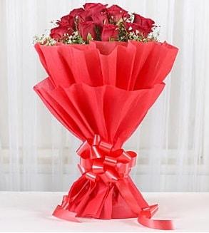 12 adet kırmızı gül buketi  Zonguldak hediye çiçek yolla