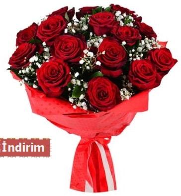 12 Adet kırmızı aşk gülleri  Zonguldak çiçek satışı